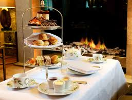 LONDON LUXURY AFTERNOON TEA